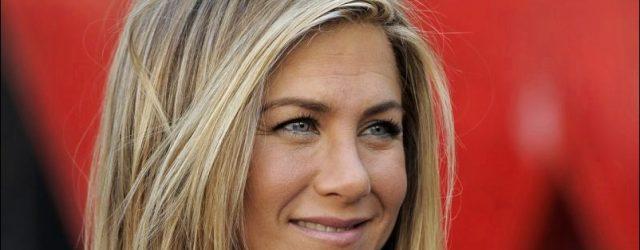 Jennifer Aniston plastische Chirurgie für geschwollene aussieht