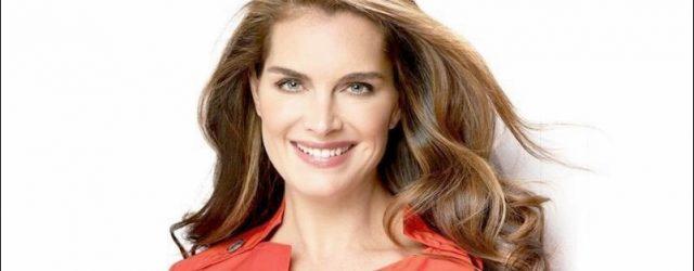 Brooke Shields sieht wunderschön aus.  Plastische Chirurgie geholfen?