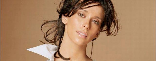 Jennifer Love Hewitt bestreitet eine plastische Operation