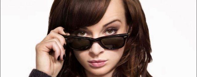 Ashley Nicole Rickards - Essstörung und plastische Chirurgie