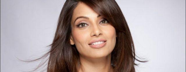 Bipasha Basu - brauchte sie eine plastische Operation?